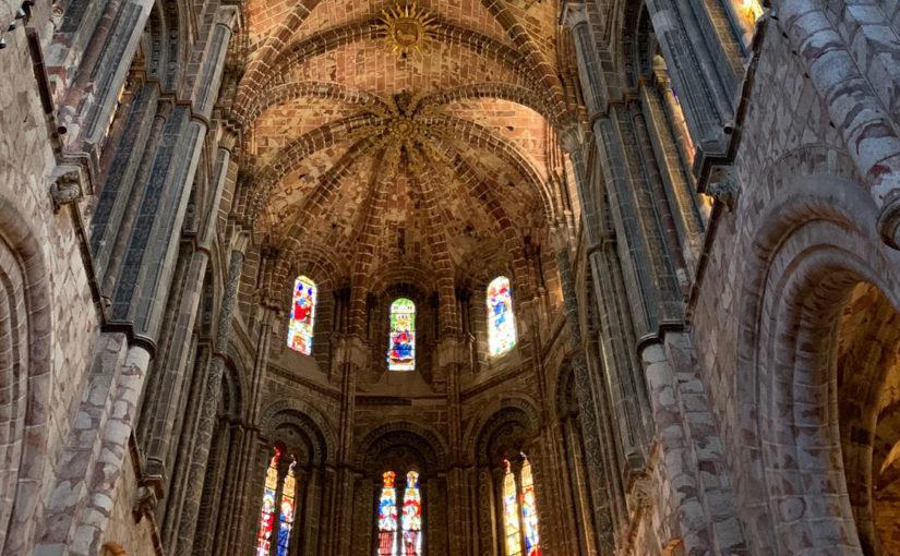 Actividades Diversas y Oficinas visitaron Ávila en el Día de la Hermandad
