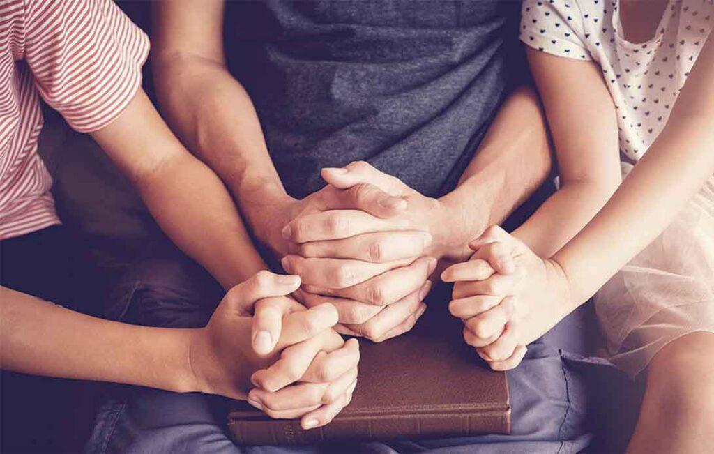 manos-rezando